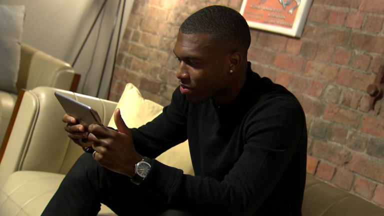 Daniel Sturridge playes Nurishment online game